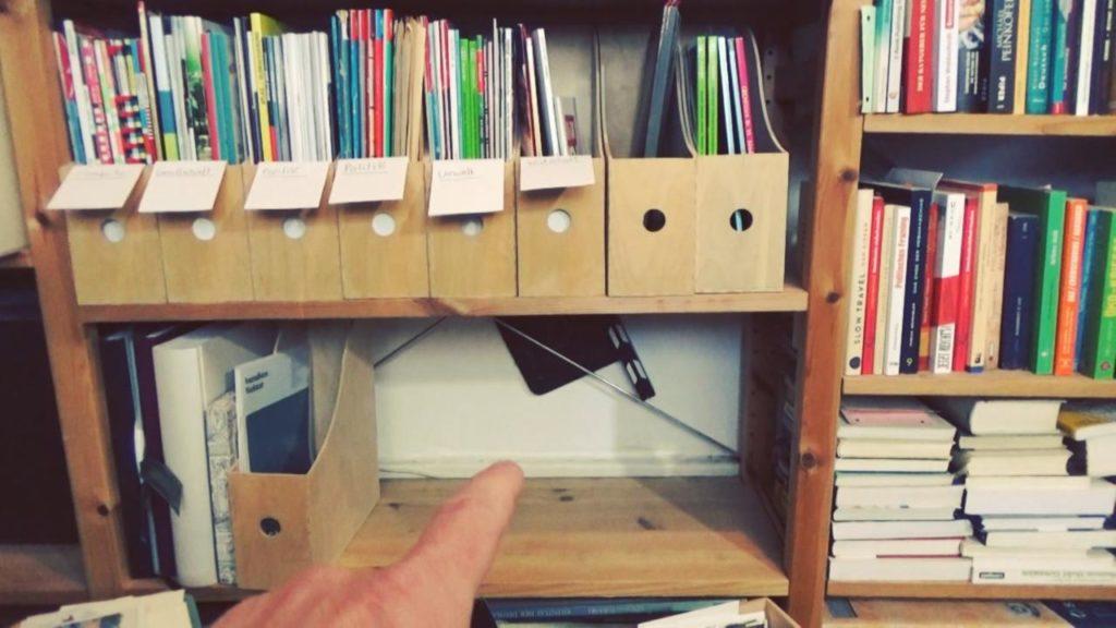 Wohnraumdiät: Zeitschriftenregal nachher